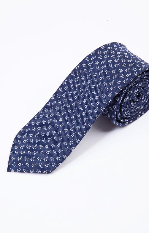 cravate en soie fleurs