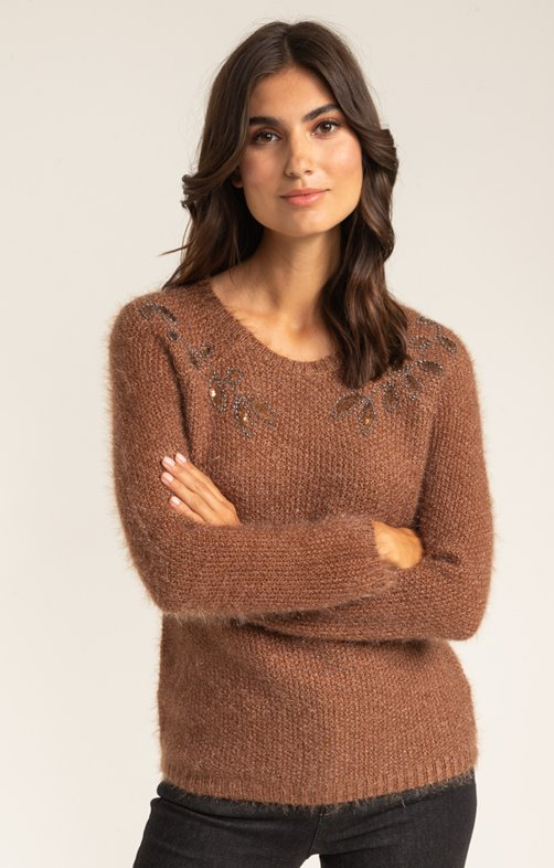 PULL MANCHES LONGUES COL ROND BRODERIES