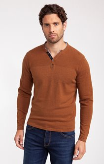 PULL COULEUR COL TUNISIEN